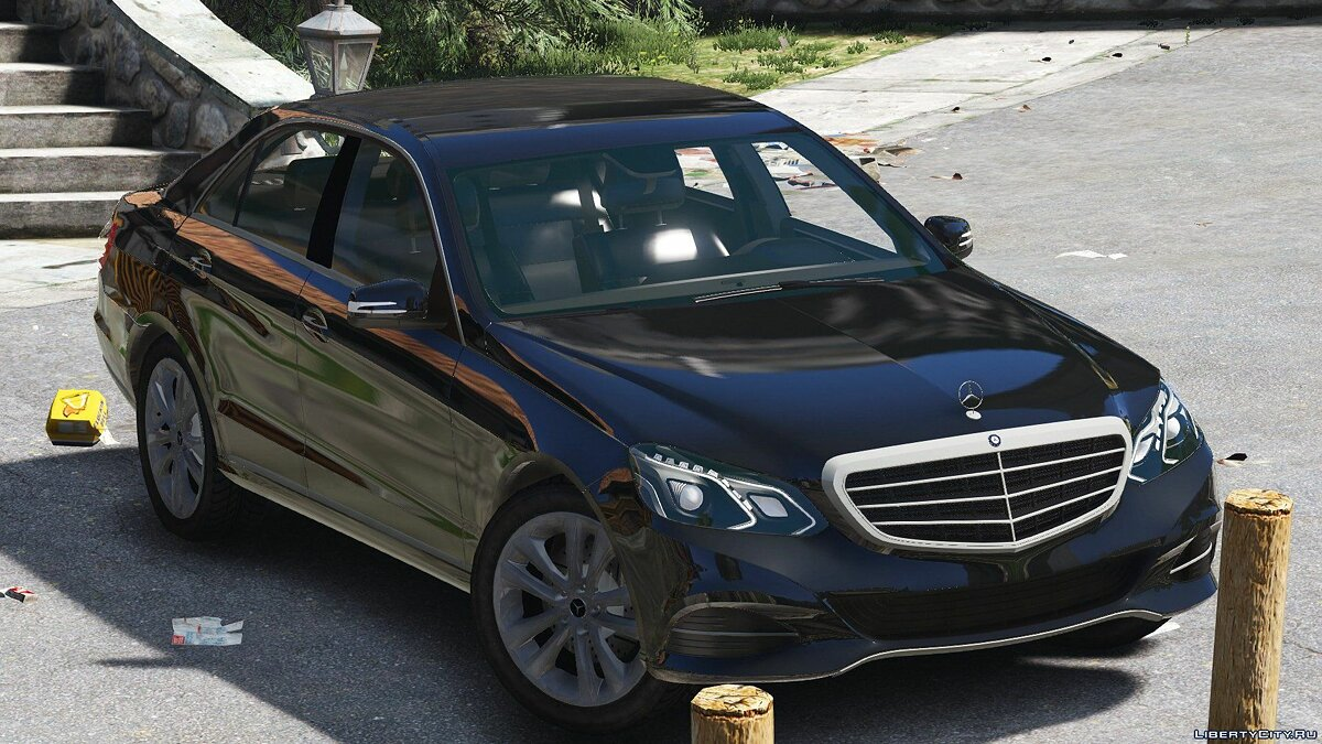 Машина Mercedes-Benz Mercedes-Benz E-Klasse 2014 [Wipers] [Replace] [Dials] 1.0 для GTA 5
