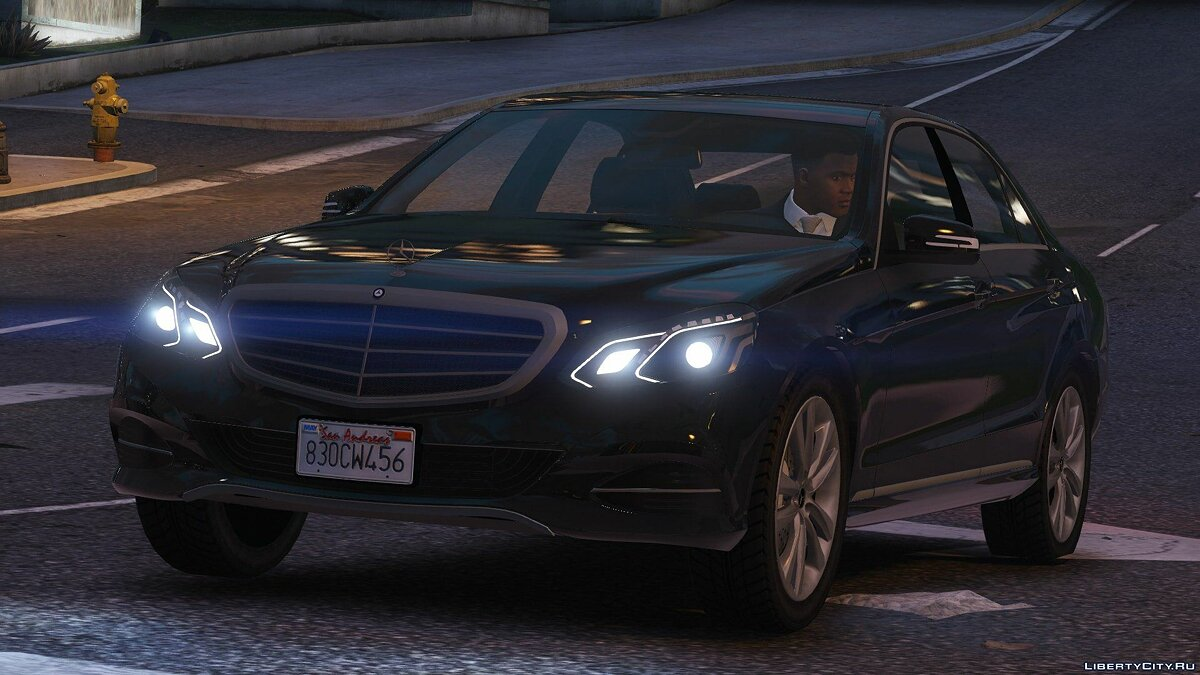 Машина Mercedes-Benz Mercedes-Benz E-Klasse 2014 [Wipers] [Add-On / Replace] [Dials] 2.0 для GTA 5