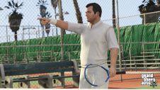 Майкл играет в тенис